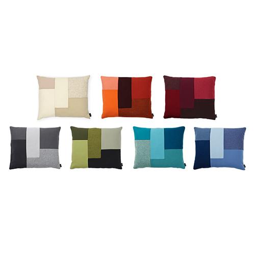Sono formati da diversi ritagli di tessuto, come un patchwork: sono i cuscini Brick di Normann Copenhagen, disponibili on line scontati fino al 50 per cento su designrepublic.com