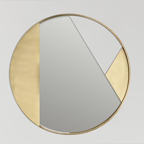 <em>Revolution ottone</em> di 4P1B Design Studio