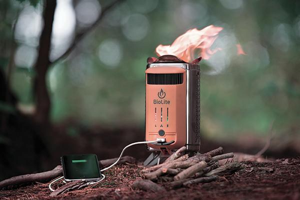 Campstove 2, fornello da campeggio a alta efficienza. Produttore BioLite. Design Anton Ljunggren+Tim Connelly+Mindy Abbruzzi