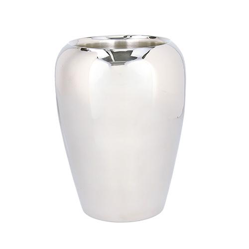 """Si caratterizza per le linee morbide il secchio champagne <em>Aspen Aral </em>di <a href=""""http://www.tognanaporcellane.it/it/marchi/andrea-fontebasso-1760.html"""">Andrea Fontebasso 1760</a> <p class=""""p3""""></p>"""