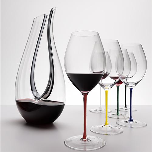 """Per i cultori del vino: <em>Fatto a Mano</em> è la nuova linea di calici in cristallo firmati <a href=""""https://www.riedel.com/it/"""">Riedel</a> (69 euro)"""