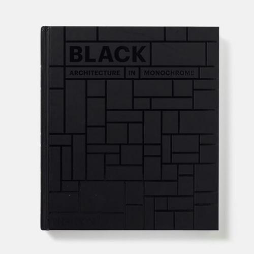 """Dalle antiche chiese ai moderni grattacieli: <em>Black. Architecture in monochrome</em> (<a href=""""http://www.phaidon.com"""">Phaidon</a>, 224 pp, 39,95 euro) raccoglie oltre 150 edifici costruiti nel corso di mille anni in tutto il mondo che si caratterizzano per l'audace uso del colore nero. Tra gli esempi architettonici quelli di Mies van der Rohe, Jean Nouvel, Peter Marino e Steven Holl"""