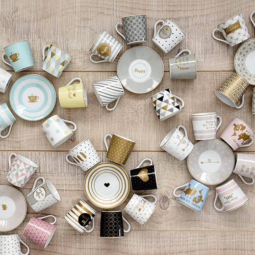 "Da <a href=""http://www.easylifedesign.it"">Easy life</a> <em>Coffee mania</em> la nuova collezione di tazzine da caffè proposte in confezione regalo da sei pezzi (30 euro)"