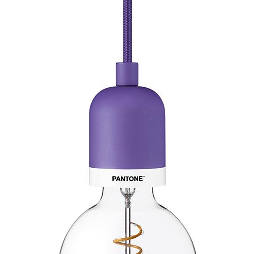 """Lampada a sospensione <em>Deneb</em> della collezione <em>Pantone Light</em> di <a href=""""/lightcolorlive.com"""">e3light</a>"""