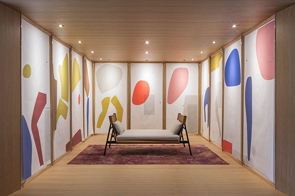 L'allestimento scenografico <em>Ordine Gigante</em> di GamFratesi per il progetto <em>Una stanza tutta per sé</em> (foto Silvana Spera)