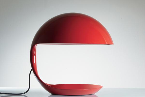 <em>Cobra</em> nella versione rossa realizzata in occasione dei 50 anni di produzione