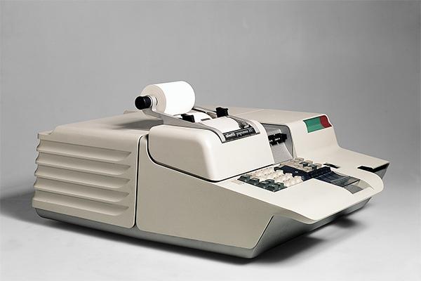 <em>Programma 101</em>, calcolatore elettronico da tavolo di Mario Bellini (1965)