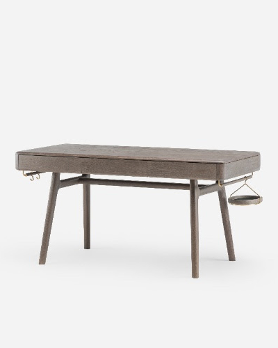 "<em>Solo Writing Desk</em> by Neri&Hu per il marchio portoghese di design <a href=""http://delaespada.com/"">De La Espada </a>"