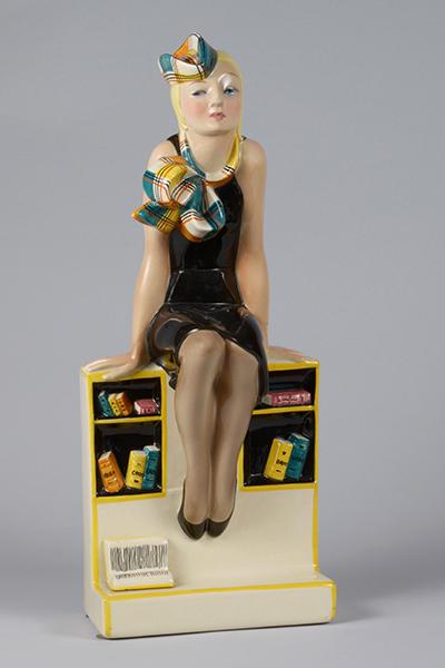 Elena König Scavini, Me ne infischio – La studentessa, 1935, terraglia, modello 424 (dal 1934), h 39,4 x 15 x 11,4 cm