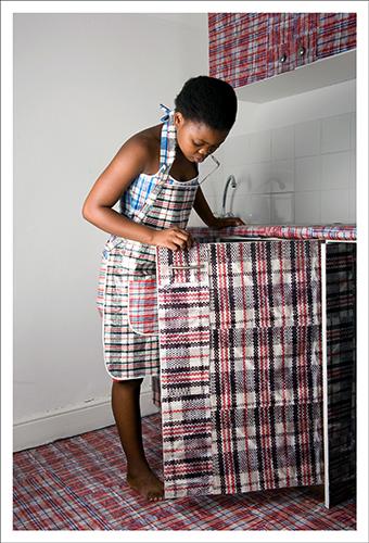Nobukho Nqaba fotografo sudafricano si interroga sul tema dell'identità in relazione alle influenze sociali e culturali
