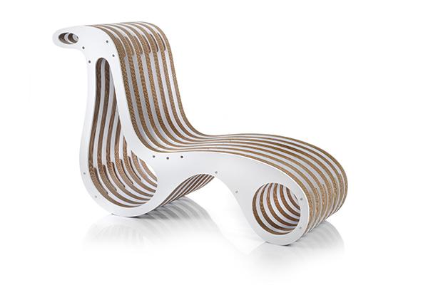 Disegnata da Giorgio Caporaso, la sedia ideata per Comieco