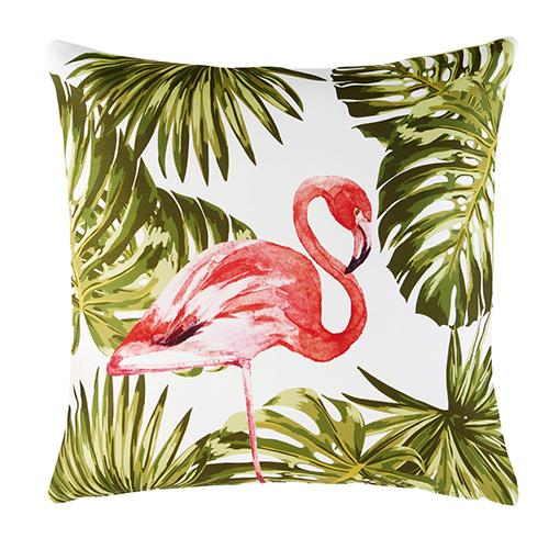 Tanti e grandi cuscini colorati da usare come sedute. Questo di Maison du monde si può usare con tranquillità poiché è pensato per l'utilizzo in esterno (22,99 euro)