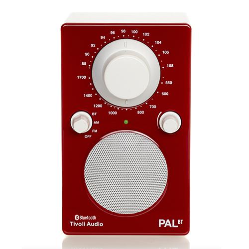Pensate anche a un sottofondo musicale preparando una colonna sonora della giornata. La Tivoli Audio Pal+ Bluetooth è progettata per l'utilizzo outdoor (269 euro - distribuito da Suonolite)