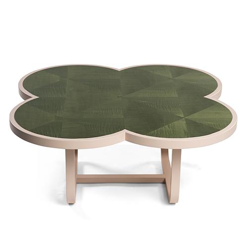 I tavoli <em>Caryllon</em> di Cristina Celestino per Gebrüder Thonet Vienna, con piani intarsiati: «Ho voluto rileggere l'estetica dei carillon, le piccole scatole musicali delle meraviglie», spiega la designer