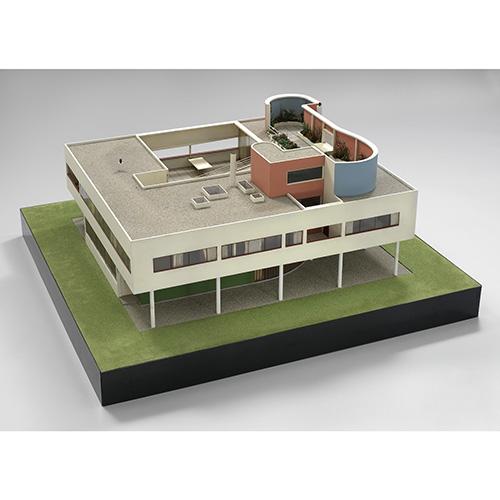 Un modello della Villa Savoye di Le Corbusier e Pierre Jeanneret (© Foundation Le Corbusier / ADAGP, Paris. Licensed by Viscopy, 2018)