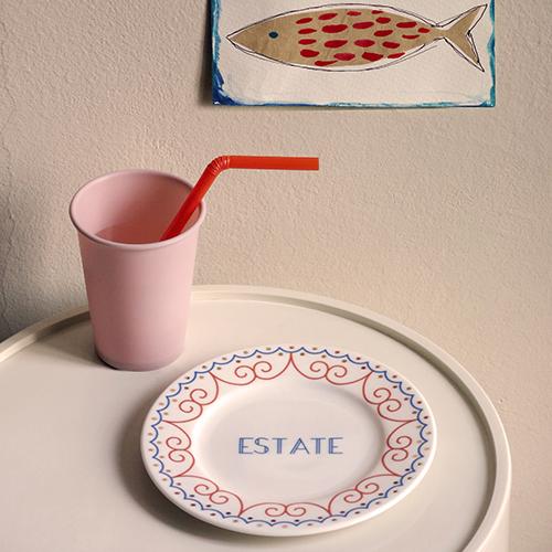 """Sul sito di <a href=""""http://www.ilariai.com"""">Ilaria.i</a>  a luglio è in sconto al 30% la collezione di piatti <em>Summer</em> (in foto). Altri oggetti sono già in promozione nella sezione """"sample sale"""" dell'ecommerce"""