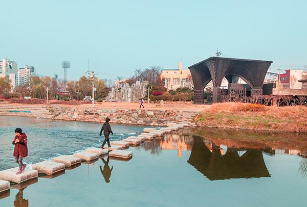 David Adjaye, The Gwangju Reading Room, Gwangju Biennale, 2013. Photo by Kyungsub Shin