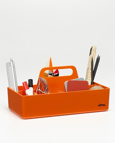 La Vitra accessories collection è in continua crescita e si arricchisce di prodotti nuovi, in foto il porta-oggetti Toolbox di Arik Levy presentato a Maison&Objet in un assortimento di colori rinnovato