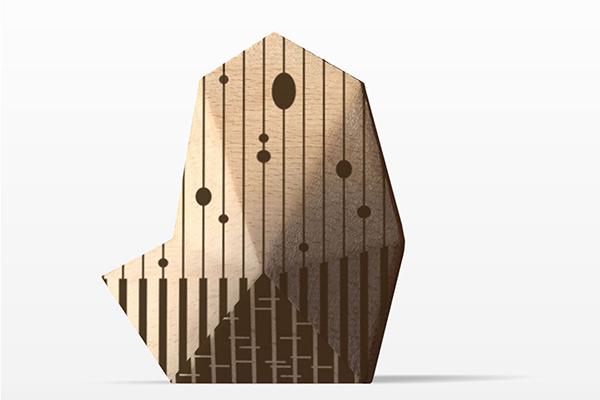 <em>Pentagramma</em> di Luca Maci con Arte Marmo Calabrò è un piccolo fermacarte da scrivania ispirato a Pentedattilo, l'antico borgo incastonato nella roccia la cui forma ricorda una mano ciclopica