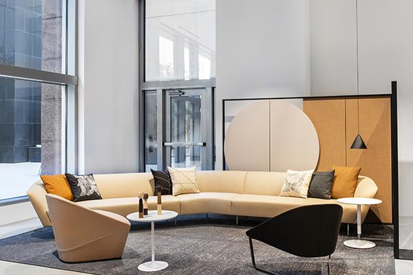Luce, spazio e colore sono i tratti caratteristici del nuovo monomarca firmato dall'architetto di New York Solveig Fernlund