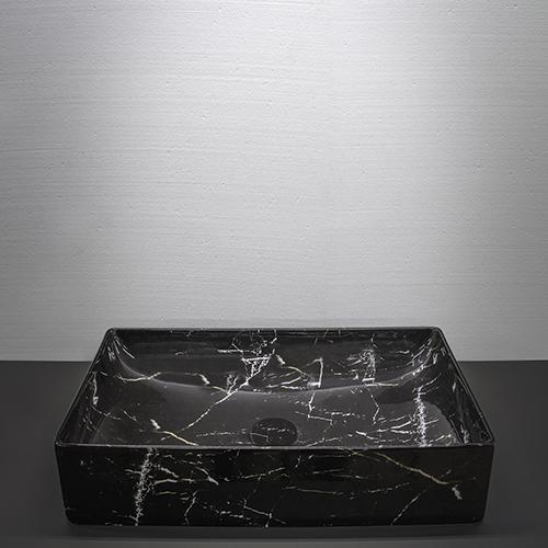 """Effetto graniglia per la collezione <em>Le Pietre</em> di <a href=""""https://www.ceramicaglobo.com/"""">Ceramica Globo</a> che si arricchisce di nuove finiture"""