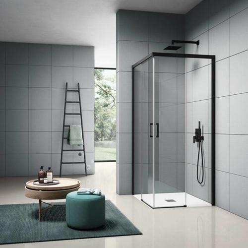 """La cabina doccia <em>Cee Art</em> di <a href=""""https://www.samo.it/"""">Samo</a> qui nella nuova configurazione senza profili inferiori"""