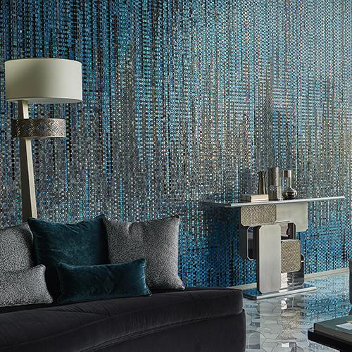 """L'ultima novità di <a href=""""http://www.sicis.com/"""">Sicis</a> si chiama <em>Crystal</em>: tessere di mosaico in pasta vetrosa dalla forma di esagono per realizzare motivi arabeschi o pattern più moderni fino ai classici monocromo"""