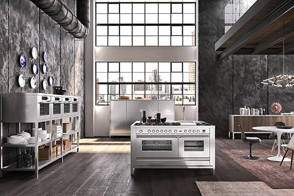 Quadra Modular di Ilve è un'isola multitasking scandita da numerosi elettrodomestici che spaziano dall'abbattitore professionale al forno pensato per cucinare le pizze