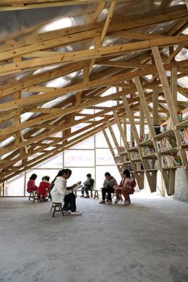 """""""The Pinch"""", un progetto di  HKU - Olivier Ottevaere & John Lin per la mostra <em>Precarious Architecture & Design</em>"""