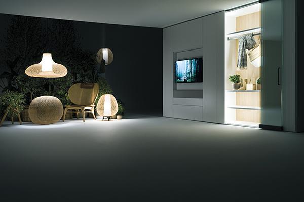 Freedhome di Caccaro è il rivoluzionario concetto di contenimento che consente di rileggere completamente gli spazi domestici, la parete diventa una tela bianca
