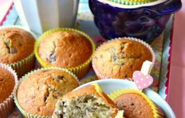 Muffin al latticello e mirtilli sciroppati