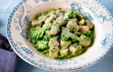 Gnocchi di patate con crema di broccoli