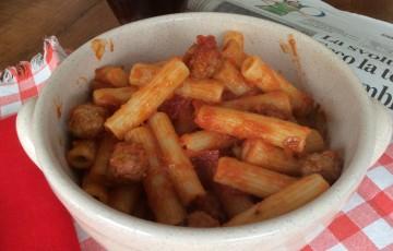 Pasta con sugo di polpette di nonna Giacomina
