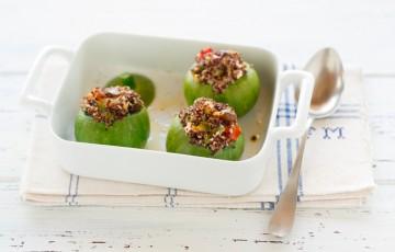 Zucchine ripiene di quinoa, feta e datterini