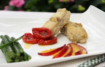 Coda di rospo con pomodorini confit e pesche