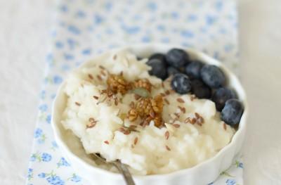 La Colazione: Porridge di riso con mirtilli