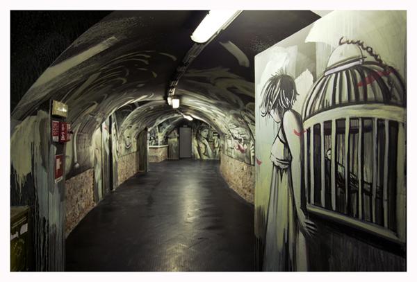 """""""Caves of Tales"""" di Alice Pasquini è stato sulle pareti della Casa dell'Architettura/Acquario Romano dal 17 aprile al 13 agosto 2013"""