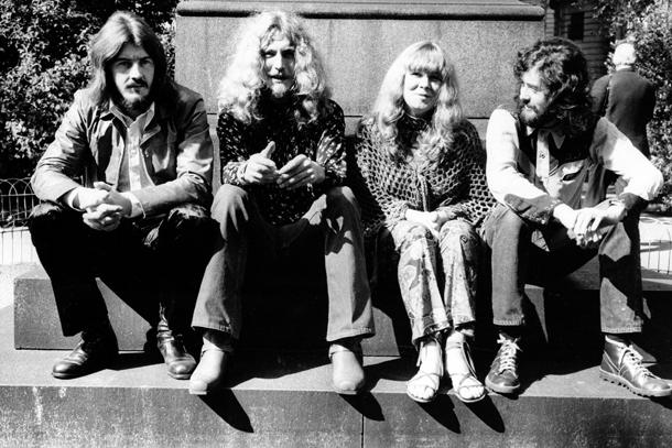 1970, da sin.: John Bonham, Robert Plant, Sandie Denny e Jimmy Page