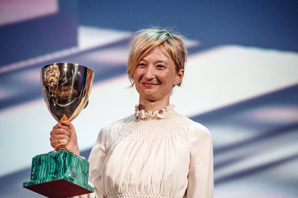Coppa Volpi per la migliore interpretazione femminileAlba Rohrwacher per Hungry Hearts