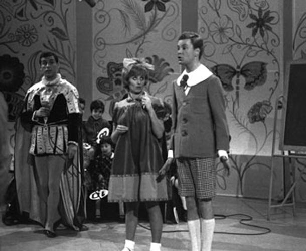 Il mago Zurlì (Cino Tortorella), Arabella (Sandra Mondaini) e Filiberto (Paolo Poli)