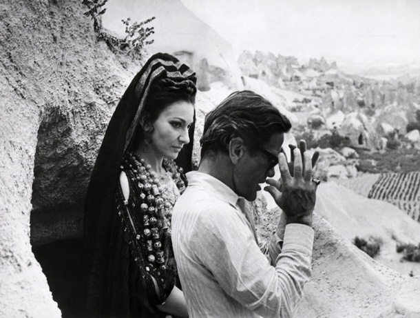 Maria Callas e Pier Paolo Pasolini sul set del film Medea, 1969. AFP PHOTO