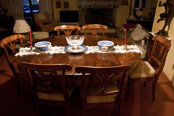 Il tavolo di casa dove Ivan disegnava