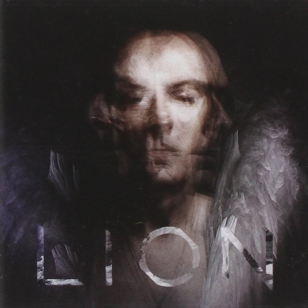 La copertina di Lion