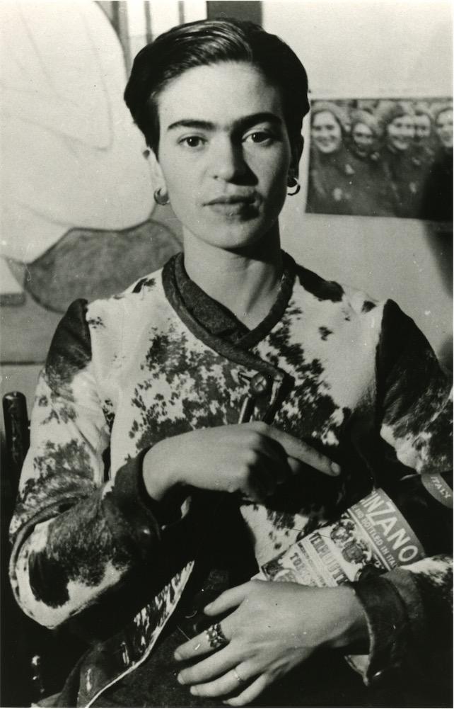 Frida con bottiglia di Cinzano, New York 1935,