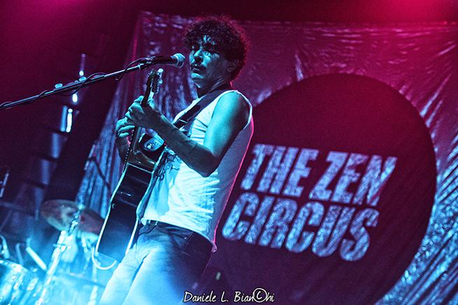 Appino, The Zen Circus © Daniele L. Bianchi