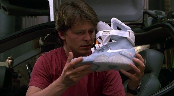 prezzo scarpe nike ritorno al futuro