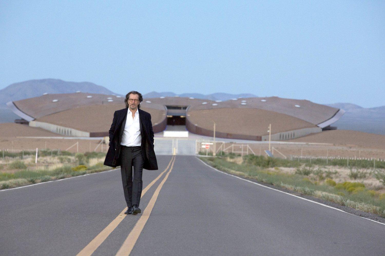 The Space Between Us - Gary Oldman copia