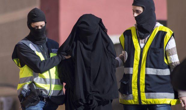 Spain terrorism police raid arrest
