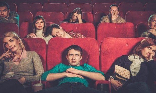 Economia comportamentale\ Perché finiamo di vedere un film anche se dopo mezz'ora abbiamo capito che non potrà piacerci?