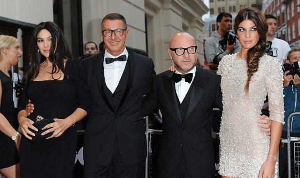 cda9b421dc663 Londra, settembre 2012 - Monica Bellucci, Stefano Gabbana, Dominico Dolce e  Bianca Brandolini al GQ Men of the Year Awards 2012 - foto di Ben  Pruchnie Getty ...